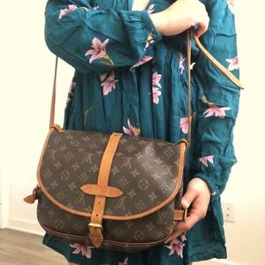 ✨✨😍✅💯LOUIS VUITTON SAUMUR MM✨✨